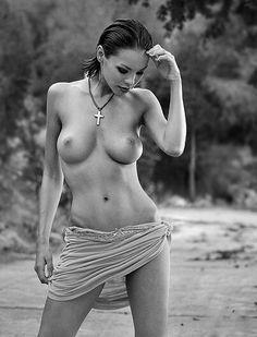 . Black N White, Perfect Body, Female Bodies, Beauty Women, Beautiful Women, Heavenly, Anatomy, Brain, Faces