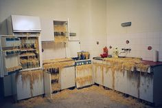 Marlene Haring's Heute bleibt die Küche kalt, wir gehen in den Wienerwald (Today the kitchen's cold, we're going to the Vienna woods) (installation: Vienna, 2004).  could just as well be called Strega Nona ...