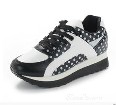 Gorgeous Assorted Color Wave Point Lace-up Sneaker
