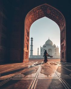 Sunrise at the Taj Mahal in India via Mecca Wallpaper, Islamic Wallpaper, Islamic Images, Islamic Pictures, Taj Mahal, Amazing Photography, Nature Photography, Travel Photography, Photography Guide