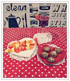#LighterLife #Valentines #Recipes: Valentine smoothie, love me fruit kebabs and fig & almond love balls