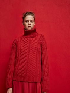 Spring summer 2017 Women´s KNIT SWEATER WITH OPENWORK DETAIL at Massimo Dutti for 69.95. Effortless elegance!