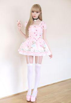 just so lovely xxxxxxxxxxxxxx. I would love to wear it!