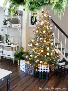 Hymns and Verses - 2017 Christmas Tree