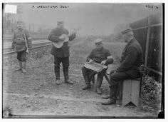 ww1 Music with zither and guitar.
