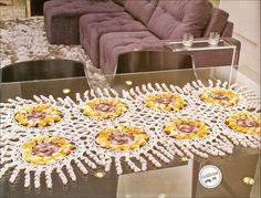 CROCHE COM RECEITAS: Caminho de mesa de croche modelo girassol