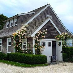 Nantucket House Tour Join me on a Nantucket House Tour of my friends' charming family friendly home on the Bluff in Sconset. Nantucket House Tour Join me on a Nantucket House Tour of my friends' charming family friendly home on the Bluff in Sconset. Nantucket Cottage, Beach Cottage Style, Coastal Cottage, Cottage Homes, Beach House, Garden Cottage, Cape Cod Cottage, Nantucket Wedding, Cottage Interiors