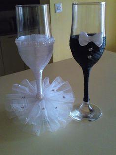 7 Bride And Groom Glasses, Wedding Wine Glasses, Diy Wine Glasses, Glitter Glasses, Decorated Wine Glasses, Wedding Bottles, Wine Glass Favors, Wine Glass Candle Holder, Wedding Crafts