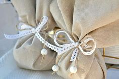 Burlap Bags, Wedding Favors, Wedding Ideas, Cotton Bag, Country Chic, Communion, Wraps, Reusable Tote Bags, Gift Wrapping