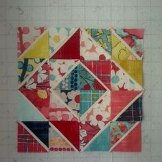 Double Flip HSTs Tutorial   Layout option number two by Don't Call Me Betsy, via Flickr