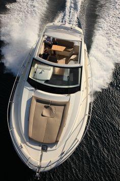 yacht leader10