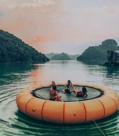 This looks like so much fun! AOTD: Yes definitel… - Summer Vibes Photos Bff, Best Friend Photos, Best Friends, Friend Pics, Summer Aesthetic, Travel Aesthetic, Summer Dream, Summer Fun, Summer Beach