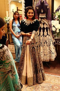To the winter bride, one of the best option is to incorporate velvet in your dress, not only will it keep you warm, it also looks royal. but keep it in dark colors as light colors will look tacky. Pakistani Wedding Dresses, Indian Wedding Outfits, Pakistani Outfits, Indian Dresses, Indian Outfits, Indian Attire, Indian Ethnic Wear, India Fashion, Asian Fashion