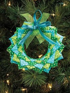 Quilted No-Sew Holiday Ornaments | Bookdrawer