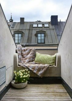 Small balcony design. So cozy.