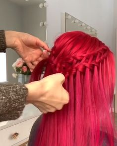For more braid videoo tutorials just visit our website! #hairtutorial #videotutorial #hairvideos #braidedhair #dutchbraid #frenchbraid #fishtailbraid