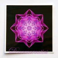 Meditatiekaart Stardust magenta 9 x 9 cm - www.droomcreaties.nl