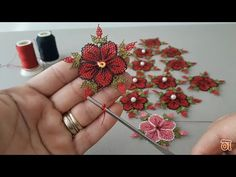 Altered Composition Notebooks, Jute Flowers, Creative Embroidery, Peyote Stitch, Happy Girls, Irish Crochet, Sewing Tutorials, Beautiful Flowers, Tatting