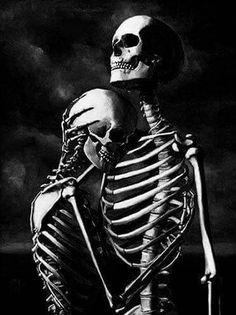 Skeleton Couple Tattoo, Skeleton Love, Skeleton Art, Scary Wallpaper, Skull Wallpaper, Death Aesthetic, Aesthetic Art, Black And White Picture Wall, Black And White Pictures