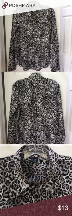 🐾 'CHAPS' 100% Cotton Animal Print Blouse 🐾 🐾 'CHAPS' 100% Cotton Animal Print Button Blouse - Large - This is a stylish blouse and is in excellent condition, it has been worn a few times only.  I have a separate listing for the pictured jacket. This listing is for the blouse only !! 🐾 Chaps Tops Blouses