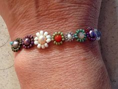 Bead Soup Daisy Chain Bracelet from Lisa Yang's Jewelry Blog Review of Seed Bead Stitching Book by Beth Stone