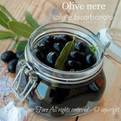 Come conservare le olive nere?Come trattare le olive nere?Come addolcire le olive?Come curare le olive? Ve lo dico io! Ad esempio con bicarbonato e sale