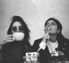 Kendall et Kylie Jenner pour le Sibling Day Kendall and Kylie Jenner for Sibling Day Photos Bff, Bff Pictures, Friend Photos, Instagram Pictures To Post, Best Friend Pictures Tumblr, Holiday Pictures, Kendall E Kylie Jenner, Kylie Jenner Friends, Kylie Jenner Pictures
