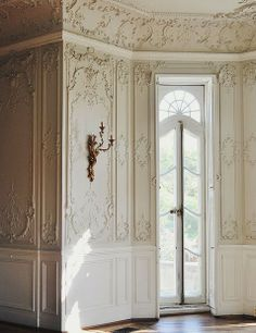 Absolutely flawless French plastered walls ...most times this cannot be replicated in modern homes or a new build ; always try to restore and save this it will only add value to your home..this home is in France. However rich Americans brought over these tradesmen at the turn of the the last century so many older homes have this type of intricate detail such craftsman.