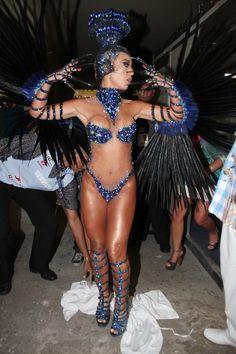 EGO - É um pássaro? É um avião? Sabrina Sato desfila na Vila Isabel - notícias de Carnaval 2013