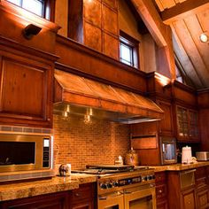 Traditional Home Oven Hood Design Ideas, Pictures, Remodel, and Decor - page 25
