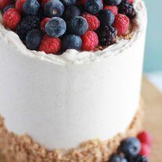 Strawberry Malt Cake - Baking with Blondie Chocolate Raspberry Cake, Raspberry Buttercream, White Chocolate Ganache, Dark Chocolate Cakes, Chocolate Bark, Vanilla Bean Cakes, Vanilla Bean Ice Cream, Baking Cupcakes, Cake Baking