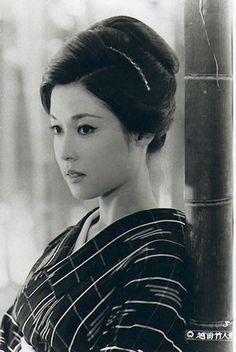 My small but steady obsession with Geisha. Japanese Film, Japanese Beauty, Asian Beauty, Japanese Icon, Jacqueline Bisset, Devon Aoki, Barbara Mori, Veronica Lake, Julie Christie