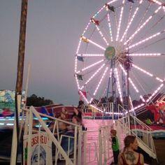 New post on dumped Arcade, Loona Kim Lip, Fandoms, Teenage Dream, Pink Aesthetic, Rainbow Aesthetic, Amusement Park, Retro, My Vibe