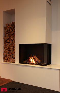 Harlekijn Schouwen en Haarden - Beneden-Leeuwen - Maestro 80/2 Eco Wave. #DRU… Home Fireplace, House Extensions, House Styles, Home And Living, Perfect Living Room, Remodel, Wood Burner Fireplace, Family Room, Home Decor