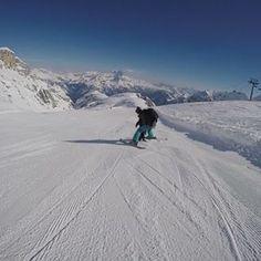 Unser Video zu unserem Skitag in @cortinadolomiti ist heute auch auf Facebook online gegangen, schon gesehen??? den link findet ihr auch in der bio... #neuesvideo #skiurlaub #cortina #skifahren #skifahrenmitkindern #wanderlust #dolomiten #gowiththeflo #elternbloggerin_at #mamabloggerin_at #igersaustria #linzerbloggerin #mamablog #lebenmitkind #mymomlife #love #photooftheday #followme #followus #happy #picoftheday #fun #family #indenbergen #abaufdenberg #tofanadimezzo Fitness Workouts, Wanderlust, Mountains, Facebook, Link, Travel, Happy Kids, Ski Trips, Ski