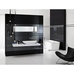 extravagantes Design Bad mit Dekoren in Spiegeloptik