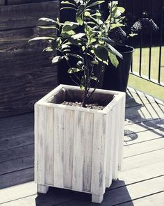 Recycled Pallet Wood Garden Planter