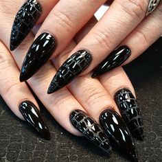 Black scales by Oli123 from Nail Art Gallery