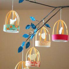 Jaulas de papel: http://charhadas.com/ideas/4595-manualidades-para-decorar-con-ninos-jaulas-de-pajaritos?category_id=39-manualidades-faciles