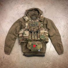 Tactical Life, Tactical Vest, Tactical Equipment, Military Equipment, Urban Survival Kit, Tactical Accessories, Tactical Training, Bushcraft Gear, Airsoft Gear