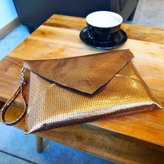DIY: easy envelope clutch