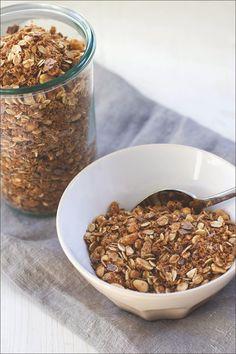 Müsli der Woche, selbstgemachtes Knuspermüsli: Rezeüt für Erdnuss-Crunch-Granola mit Schokolade