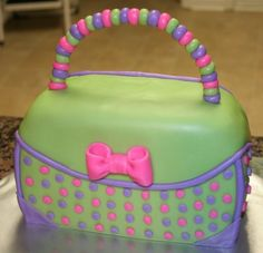 cute purse cake, lots of possibilities with colors
