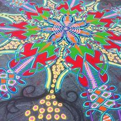 Finished    Follow me on Facebook http://www.facebook.com/joe.mangrum.art When sharing please include my links Ⓒ 1994-2014 Joe Mangrum http://www.joemangrum.com #sandart #sandpainting #NYC @joemangrum #colorful #art #streetart #art #streetlife