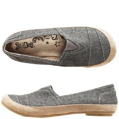 Not my usual style, but these look so comfortable and there's something about them that I think is cute too.