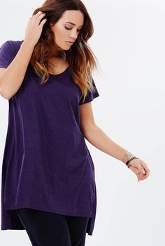 "Basic+Side+split+Long+line+tee+-+The+Basic+Side+Split+Long+Line+Tee++is+cut+from+soft+jersey+in+a+deep+purple+marle+hue.+  +Simple+pull-on+design+and+longline+silhouette.  +Relaxed+fit,+short+sleeves,+longer+length.  Soft,+washed+luxe+eggplant+marle+for+a+pop+of+winter+colour+and+silky+hand+feel.   Our+model+is+wearing+a+size+small+top.+She+is+a+size+AU14/small,+and+is+5'10""+(177cm)+tall."