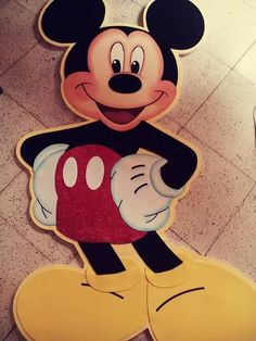 Mickey mouse Bolo Panda, Mickey Mouse, Disney Characters, Fictional Characters, Party, Ideas, Angels, Molde, Fiestas
