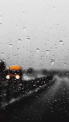 Wallpaper of water drops with lighting reflections on window & glass # windowsWallpaper of water drops with lighting reflections on window Rainy Mood, Rainy Night, Rain Storm, No Rain, Rainy Day Photos, Rain Wallpapers, I Love Rain, Rain Days, Sound Of Rain