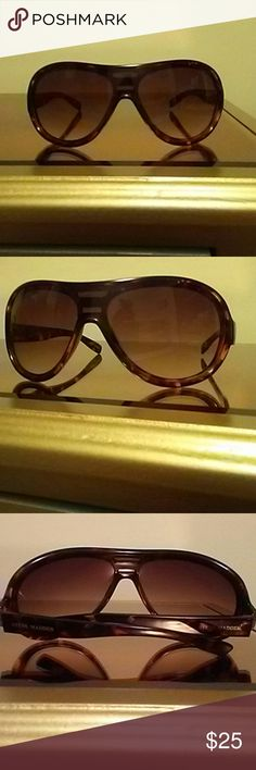 Steve madden shades Shades by steve madden. Lepard print. Worn once or twice. No scratches. Tint. Looks really good. Steve Madden Accessories Sunglasses