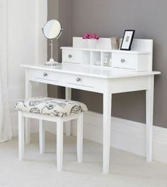 Casas on pinterest malm makeup tables and makeup vanities for Small makeup vanity table without mirror